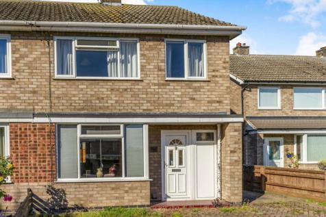 Cromarty Road, Stamford, PE9. 3 bedroom semi-detached house