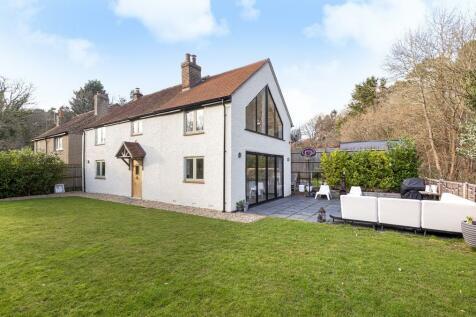Sandrock Hill Road, Farnham. 4 bedroom detached house for sale