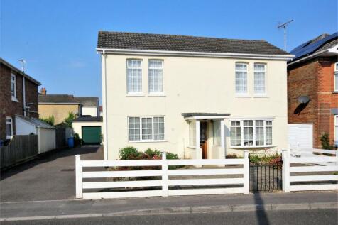 Uppleby Road, Parkstone, POOLE, Dorset. 3 bedroom detached house