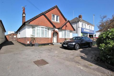Ringwood Road, Parkstone, Poole, Dorset. 6 bedroom chalet