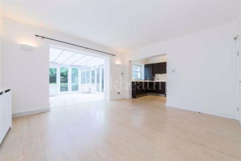 Cleve Road, West Hampstead, London. 3 bedroom flat for sale