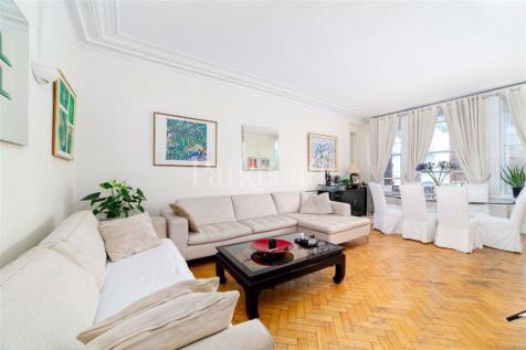 Canfield Gardens, South Hampstead. 5 bedroom flat for sale