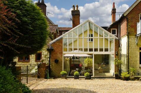 Hextalls Lane, Bletchingley, Redhill. 3 bedroom house