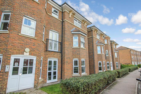 Gardenia Road, Bickley. 2 bedroom ground floor flat
