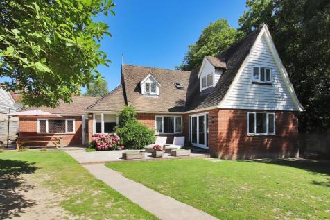 The Mount, Flimwell, East Sussex, TN5 7QN. 4 bedroom detached house