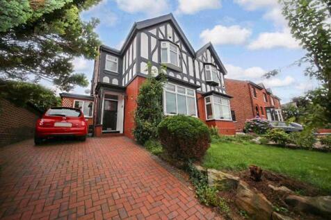 Mesnes Road, Swinley, Wigan. 3 bedroom semi-detached house
