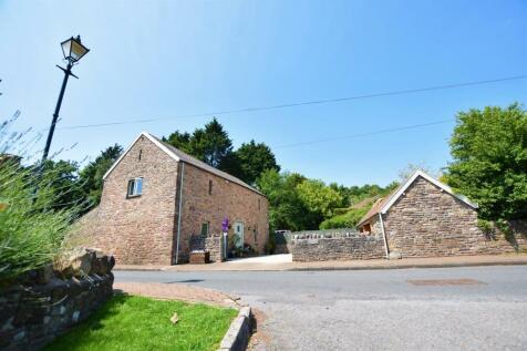 Clevedon Road, Weston-In-Gordano. 4 bedroom barn conversion