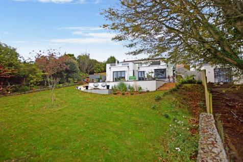 Redcliffe Bay, Portishead. 4 bedroom detached house for sale