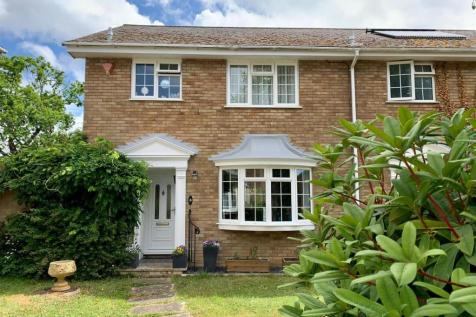 Grafton Gardens, Lymington. 3 bedroom semi-detached house
