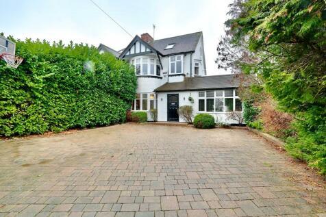 Greenacres Avenue, Ickenham, UB10. 4 bedroom semi-detached house for sale