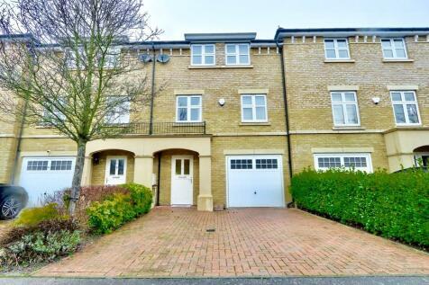 Heacham Avenue, Ickenham, UB10. 4 bedroom town house for sale