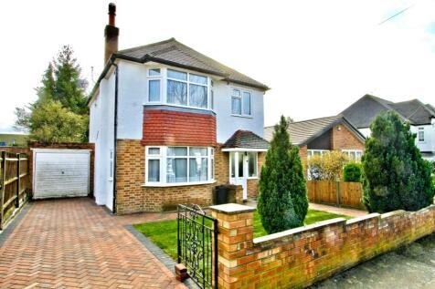 Ivy House Road, Ickenham, UB10. 3 bedroom detached house