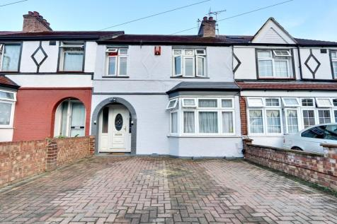 Parkfield Avenue, Hillingdon, UB10. 3 bedroom terraced house
