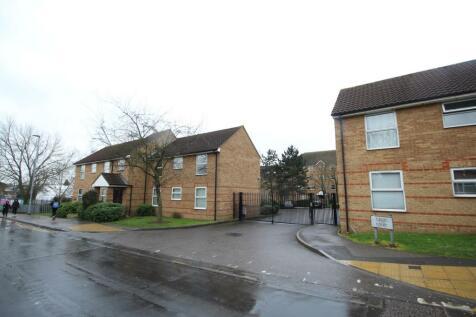 Chigwell Lane, Loughton, IG10. 2 bedroom flat