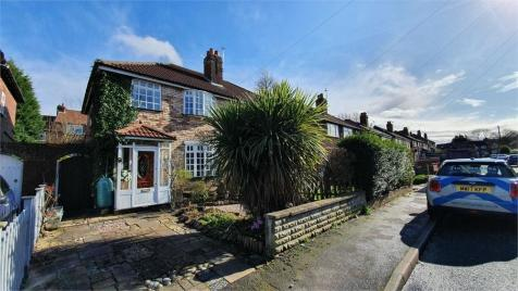 Patterdale Road, STOCKPORT, Cheshire. 3 bedroom semi-detached house