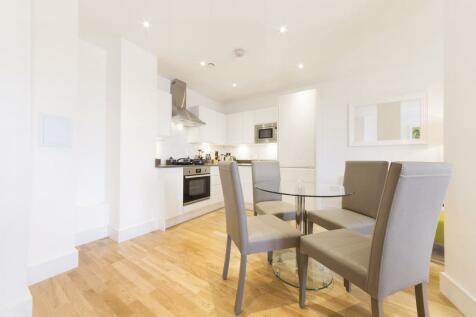 Burlington House, Swanfield Road, Waltham Cross, Waltham Cross, EN8. 1 bedroom apartment