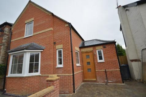 St Georges Road, Farnham. 1 bedroom detached house