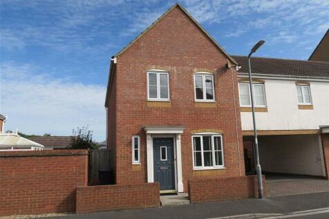 Avill Crescent, Taunton. 3 bedroom detached house