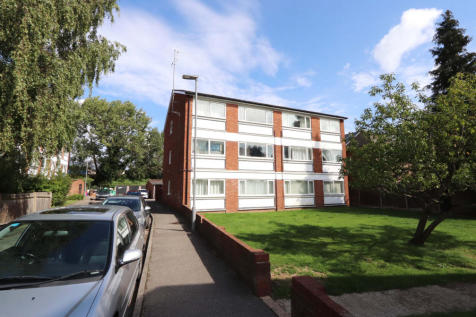 Kingston Road, NEW MALDEN. 2 bedroom flat