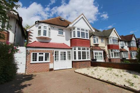 Romney Road, New Malden. 4 bedroom detached house
