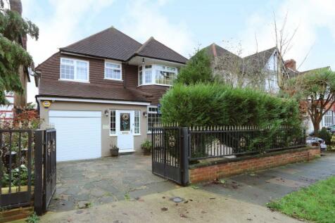 Gainsborough Road, New Malden. 4 bedroom detached house for sale
