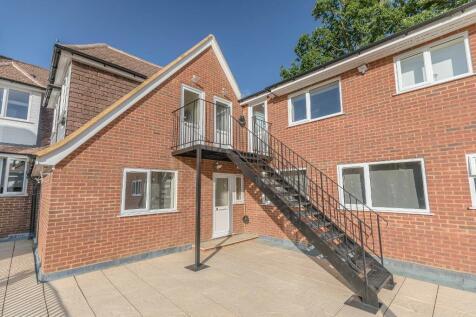 Thornbridge, Iver, SL0 0PU. House share