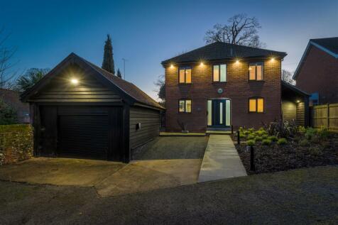 Bracondale, Norwich. 4 bedroom detached house for sale