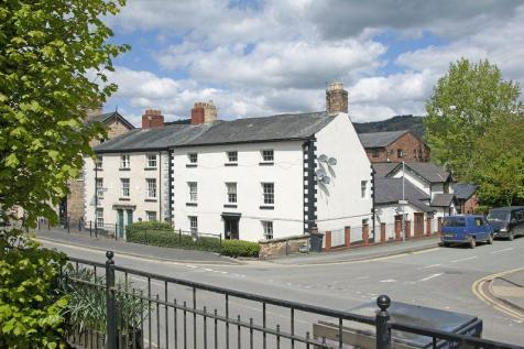 High Street, Llanfyllin, Mid Wales - Not Specified / 7 bedroom property for sale / £225,000