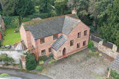 Acton Gardens, Wrexham. 4 bedroom detached house for sale