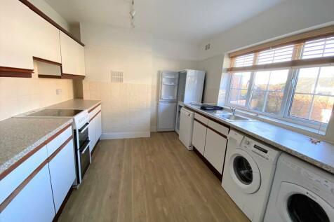Gerrards Cross. 3 bedroom apartment