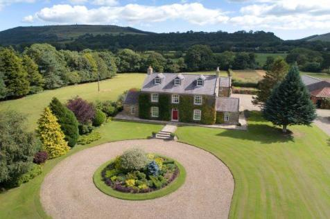 Fir Tree Farm, Easby, Great Ayton, North Yorkshire, TS9 6LH. 5 bedroom country house for sale