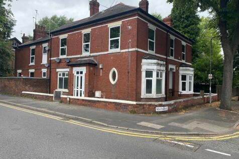 Southgate, Wolverhampton, West Midlands, WV1. 2 bedroom ground floor flat