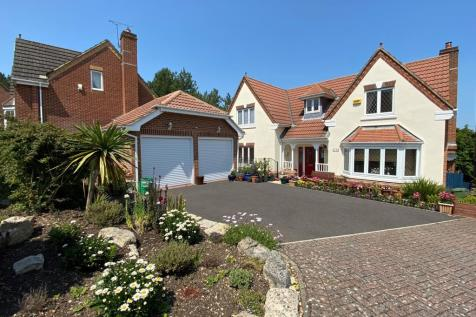 Johnson View, Whiteley. 6 bedroom detached house