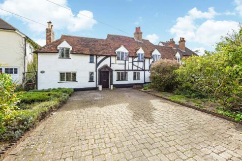 Josephs Road, Guildford. 4 bedroom semi-detached house