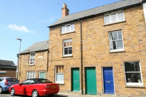 Queen Street, Uppingham. 3 bedroom terraced house
