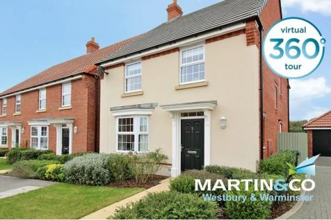 Dragonfly Close, Frome. 4 bedroom detached house for sale