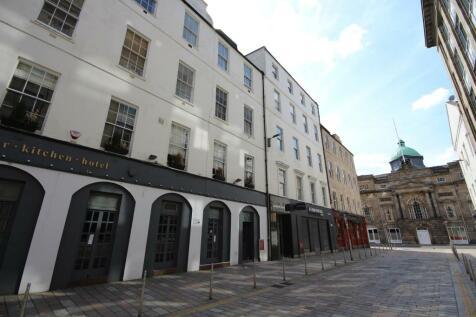 Garth Street, Merchant City, Glasgow - Available Now. 2 bedroom flat