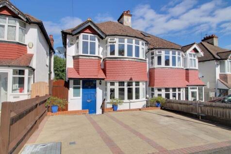 Frensham Road, Kenley. 3 bedroom semi-detached house