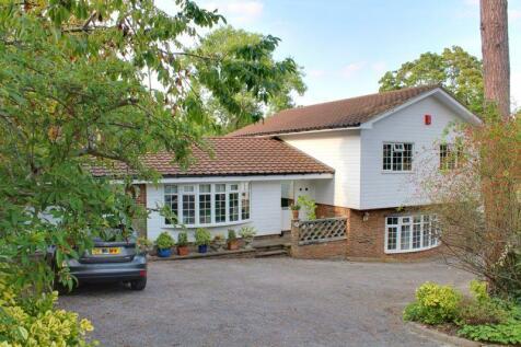Zig Zag Road, Kenley. 5 bedroom detached house