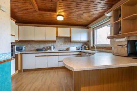 29 Balnakiel Terrace, Galashiels. 3 bedroom terraced house for sale