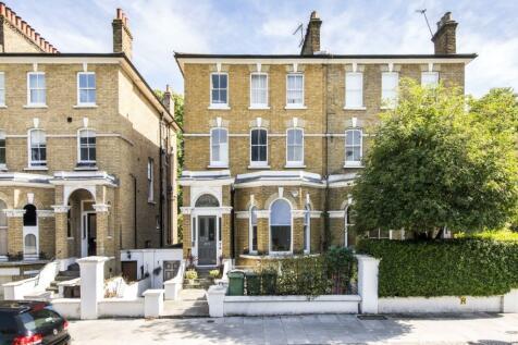 King Henrys Road, Primrose Hill. 3 bedroom apartment