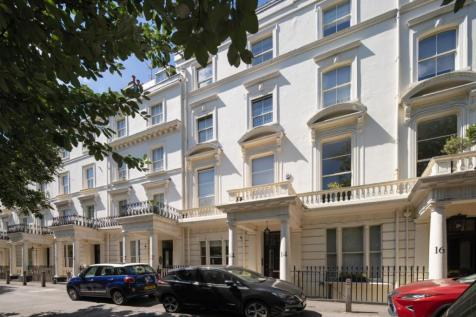 Clifton Gardens, Little Venice, London W9. 4 bedroom apartment