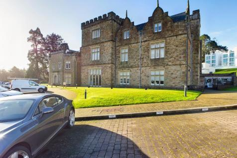 Clyne Castle, Blackpill, Swansea, SA3. 2 bedroom flat