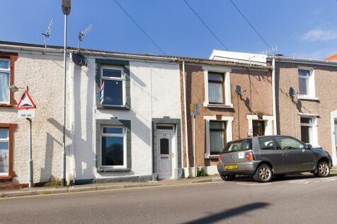Freeman Street, Brynhyfryd, Swansea, SA5. 3 bedroom terraced house