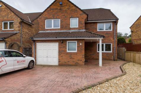 Whitegates, Mayals, Swansea, SA3. 4 bedroom detached house