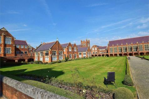 Wessex House, Marlborough Drive, Bushey, Hertfordshire, WD23. 1 bedroom apartment