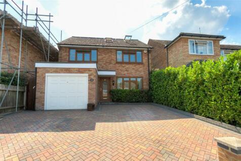 Bourne Road, Bushey, Hertfordshire, WD23. 4 bedroom detached house for sale
