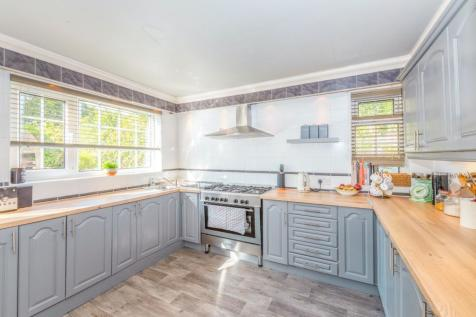 Healds Green, Oldham, OL1. 3 bedroom semi-detached house for sale