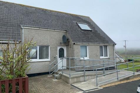 10 Brakefield Crescent, Unst, Shetland. 3 bedroom end of terrace house for sale