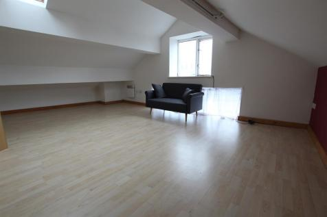 Sunbridge Road, Bradford, BD1 2HB. 2 bedroom flat